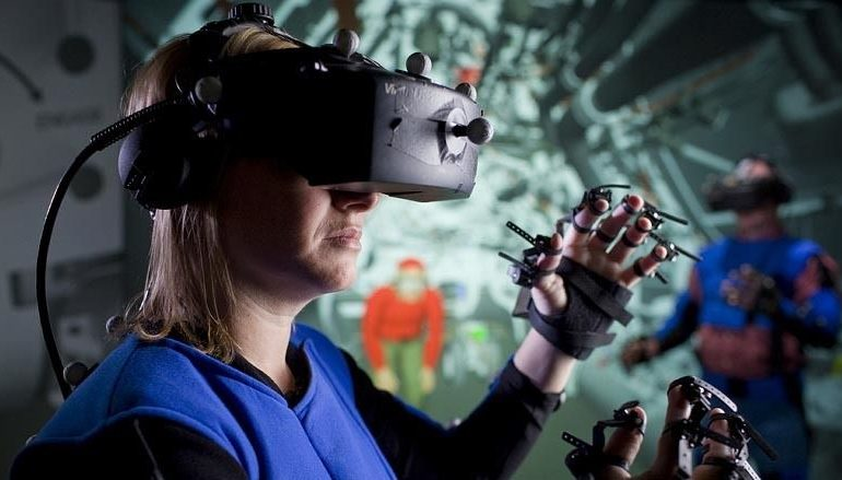 Microsoft разрабатывает технологию виртуальной реальности для Xbox