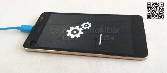 Фотографии Microsoft Lumia 850
