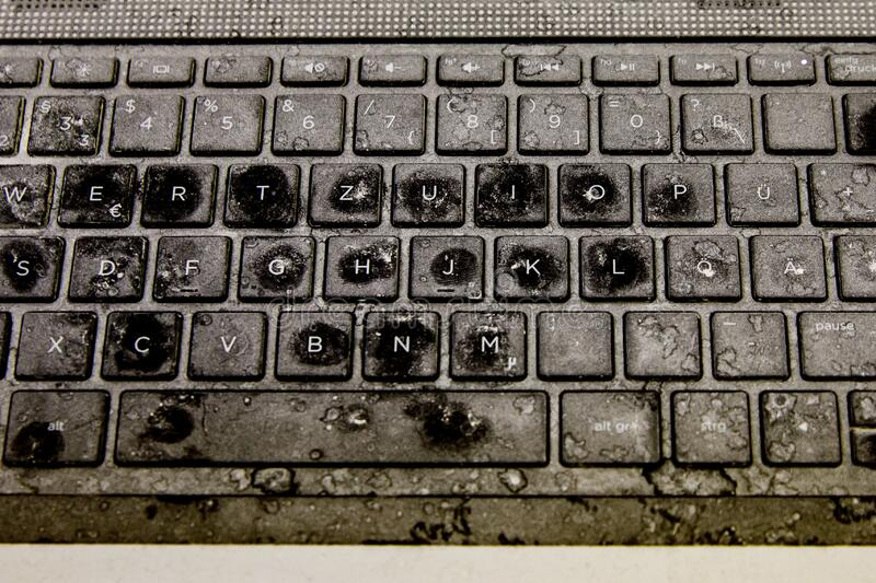 Как почистить свой ноутбук, не сломав его. Клавиатура