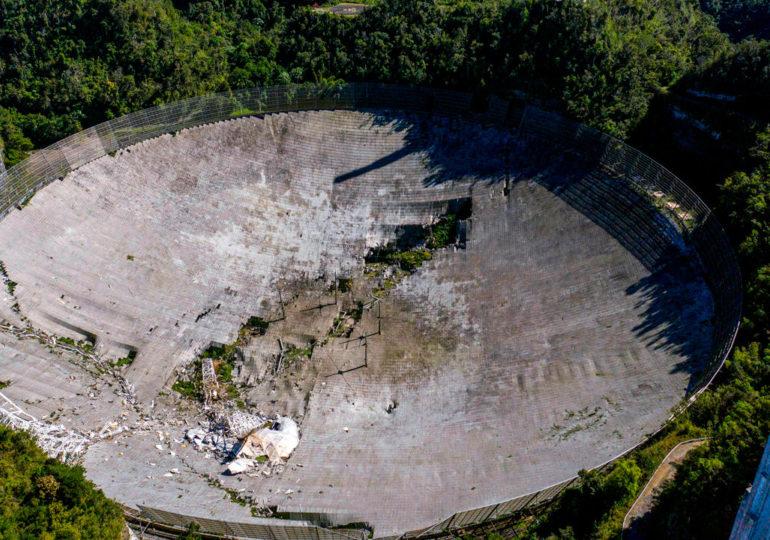Обрушился 305-метровый телескоп Аресибо